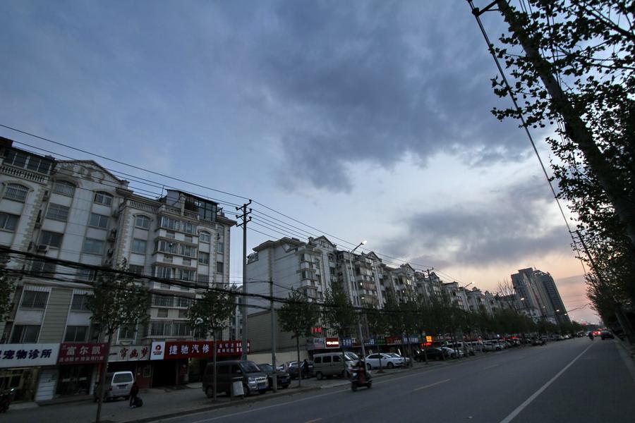 郑州21世纪小区文化之二 风雨之中的烧烤午餐